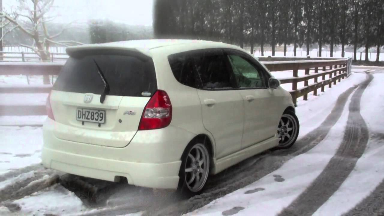Honda jazz fit youtube for Honda fit in snow