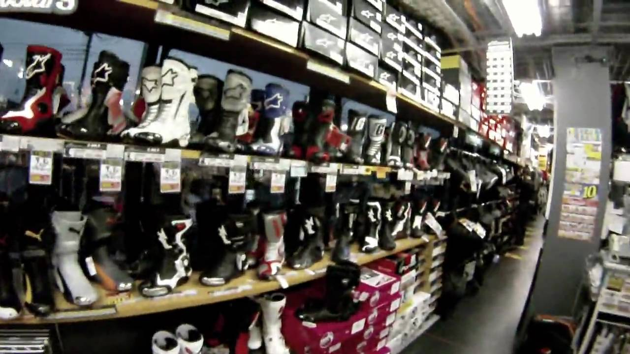 Motorcycle riding gear shop: Naps Tokyo - YouTube