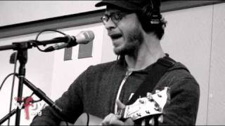 "Amos Lee - ""Windows Are Rolled Down"" (Live @ WFUV)"
