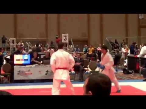 Denis Ure (Perú) vs. Douglas Brose (BRA). Score: 3-4 (Karate US Open 2013. Hotel Paris, Las Vegas)