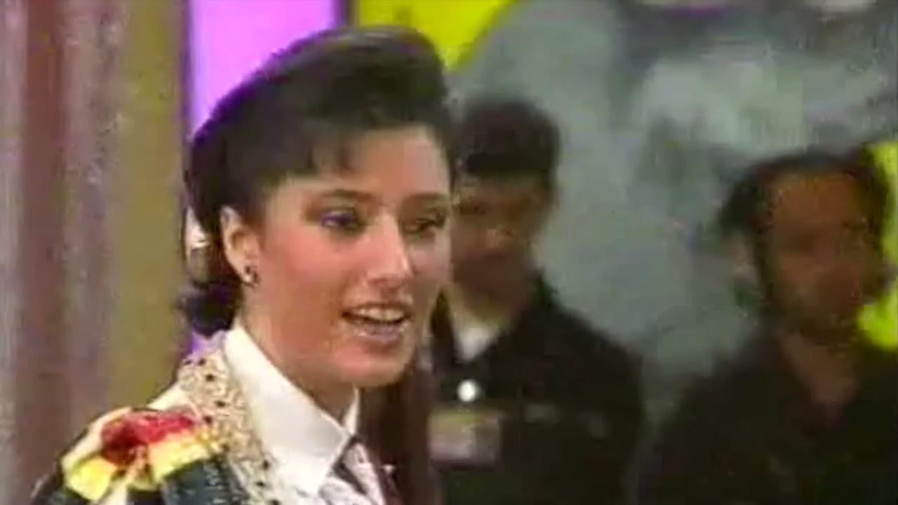Download La cavalleria di Cristina Magli Togni nella pista di Sabato al Circo (1991)