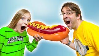 Амелия и папа пробуют желейную еду - смешные истории для детей
