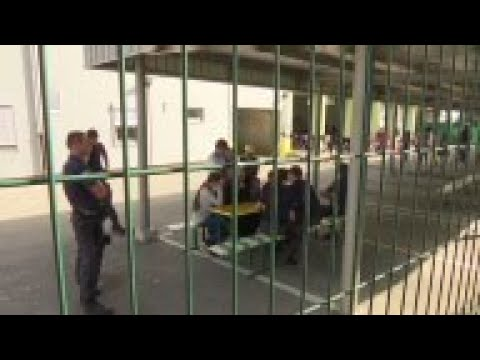 Migrants blocked by Hungary arrive in Slovenia