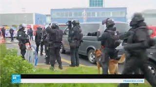 عملية أمنية بعد مقتل شخص حاول انتزاع سلاح جندية في مطار أورلي في باريس