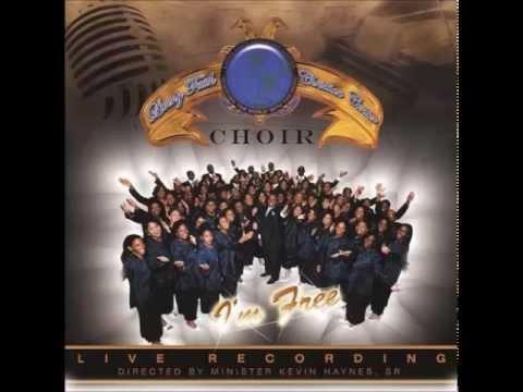 Living Faith Christian Center Choir - Glory To The King