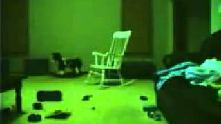pazljivo gledaj stolica se pomera