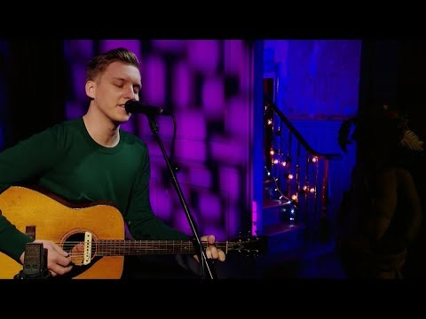 George Ezra - Hold My Girl (Live from The BRITs Are Coming 2019)