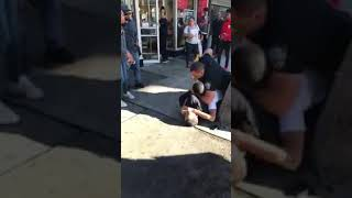 📡Police brutality and some random Nigga off the street helps the cops smh 🤦🏾♂️👮🏾