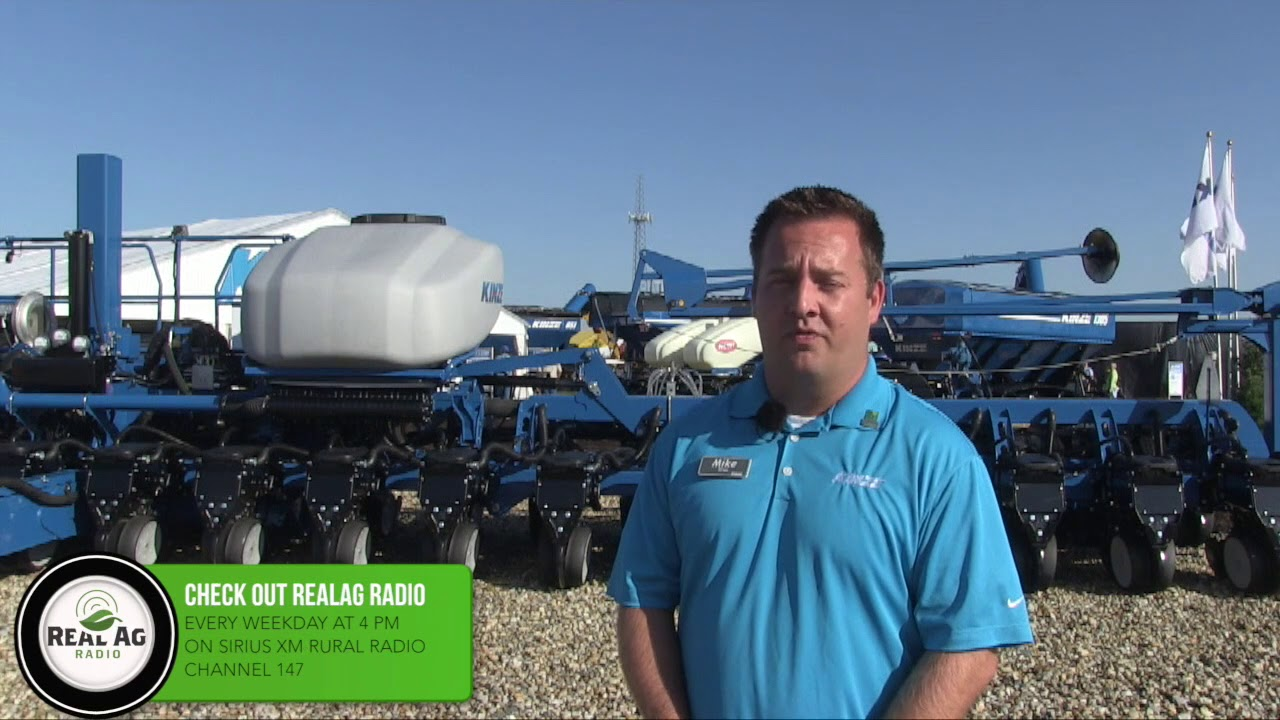 Kinze Introduces Prototype Split Row 60 Foot Planter Youtube