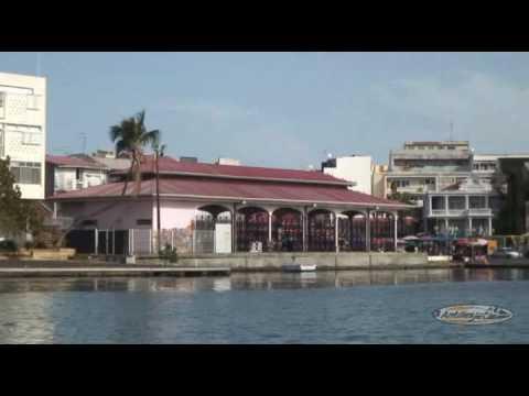 Antilles Jet - Marché aux épices de Pointe à Pitre Guadeloupe