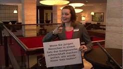 Direktionsassistentin im Hotel spricht auch vom Beruf der HOTELKAUFFFRAU
