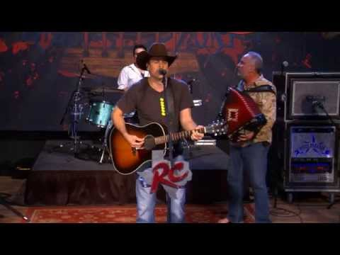 Roger Creager performs