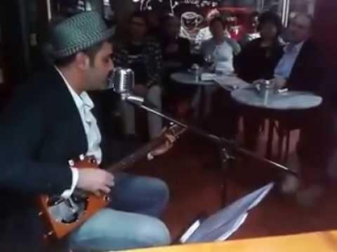 """Jay Doe en """"O Cafeciño"""" de Nigrán"""