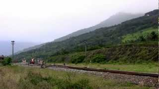 台湾・南廻線太麻里駅近くの踏切から撮影しました。台湾でもごくわずか...
