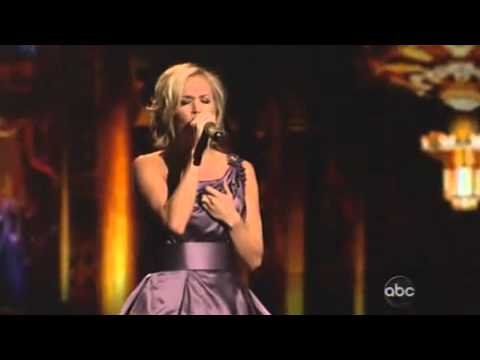 Carrie Underwood / Mama's Song (Live Performance)