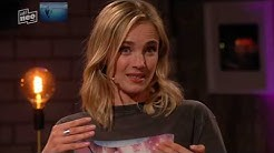Laura Karasek ( Lederhose / Leatherpants ) Gast : Annie Hofmann rote Lackhose I ZDF Neo I