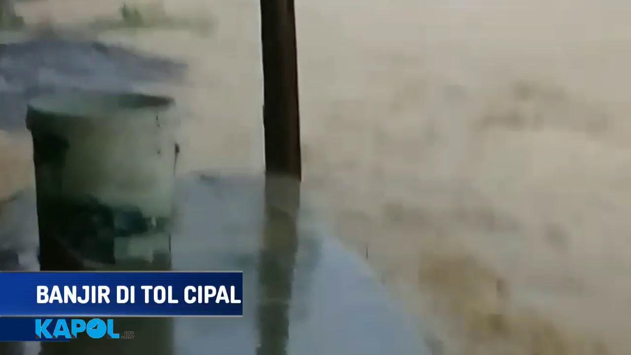 Banjir Menerjang Tol Cipali - YouTube