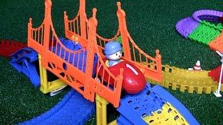 Pocoyo Swiggle Traks Super Race Circuit | Coche de Carreras | 포코요 레일 기차놀이 자동차  |  Napero  我是优优