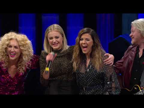 Michael J. - Little Big Town SHOCKED Kelsea Ballerini On Stage At the Opry in Nashville