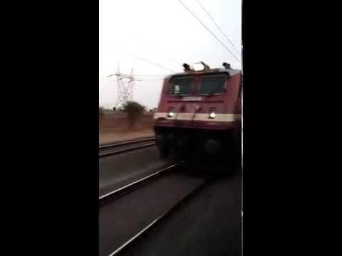 High speed overtake action between 22866 over 13288