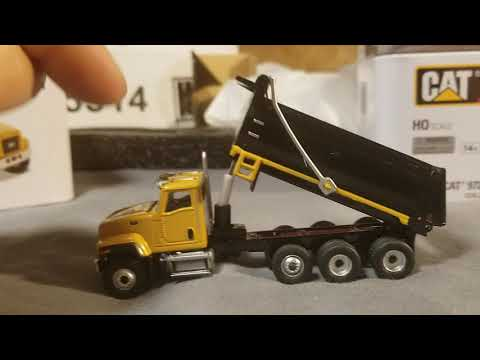 MAIL CALL! Review Of Diecast Metals CAT Construction Equipment And Trucks