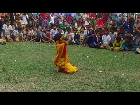 Moyna solat solat kore- Popular Bangla Dance