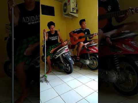 aku takut dari band republik indonesia brebes