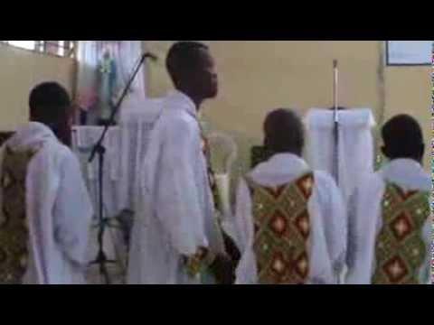 MESSE EN LINGALA PAROISSE SAINTE CATHERINE DE SIENNE KINSHASA BINZA RDC 2