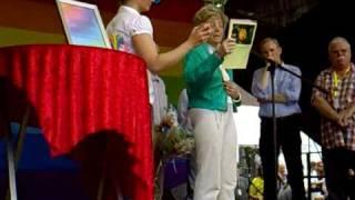 Verleihung des blütenfest-award zum ruhr-csd, essen, kennedyplatz, 1.8.2009