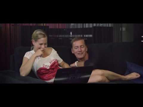 Zuzana Kajnarova foot massage