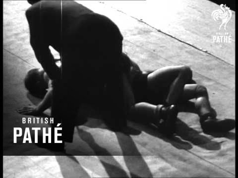 Amateur European Wrestling (1947) from YouTube · Duration:  1 minutes 41 seconds