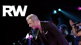 Robbie Williams | Shout live in St. Petersburg | LMEY Tour 2015