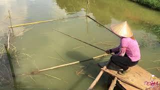 农村美女土法钓鱼,1小时后,拉上来一东西让人乐坏了!