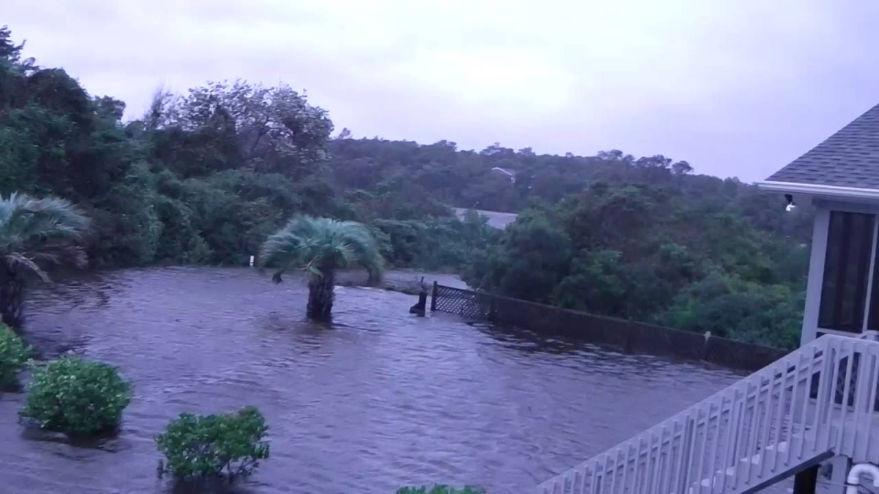 Hurricane Matthew Flooding Oak Island Nc Youtube