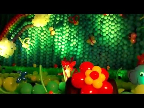 Jungle theme balloon decorations using over 8000 for Balloon decoration ideas youtube