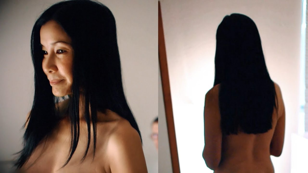 Lisa Ling Spontaneously Gets Naked During Cnn Show Youtube
