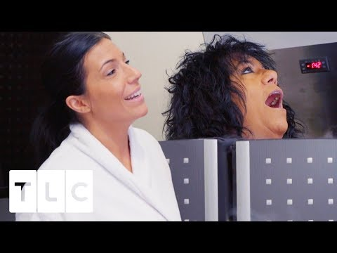 Mother & Daughter Strip Down For Cryotherapy   sMothered