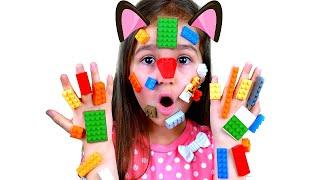 Алиса и папа - история про Lego руки | Pretend play LEGO HANDS