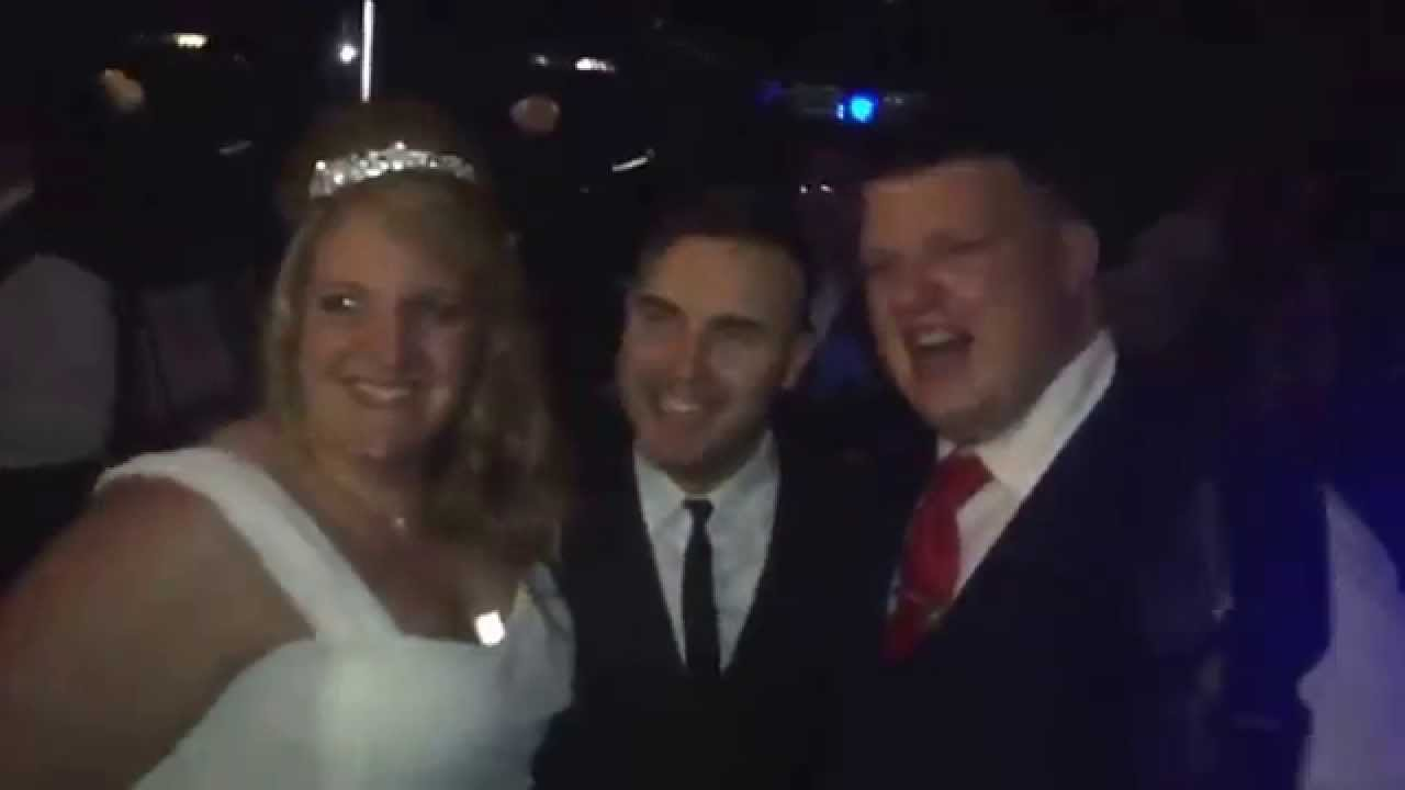 Gary Barlow Surprises Danielle And Darrel On There Wedding Day 3 4