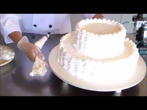 Como sobrepor andares bolo cobertura chantili