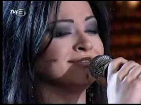 Bendeniz & Harun Kolçak - Elimde Değil (Canlı Performans)
