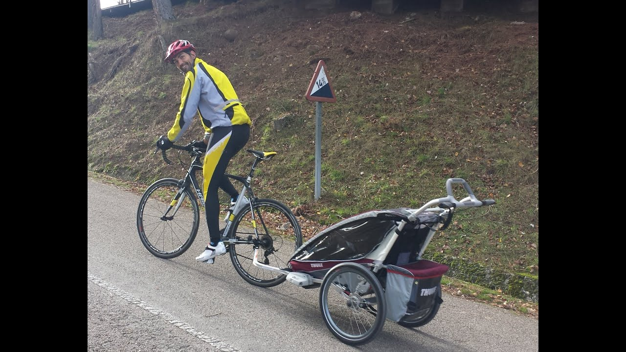 Cycling with 2 mounths age baby Bike trailer Chariot