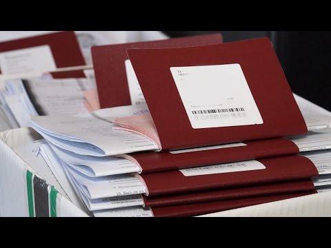 Сдать документы на загранпаспорт можно на работе
