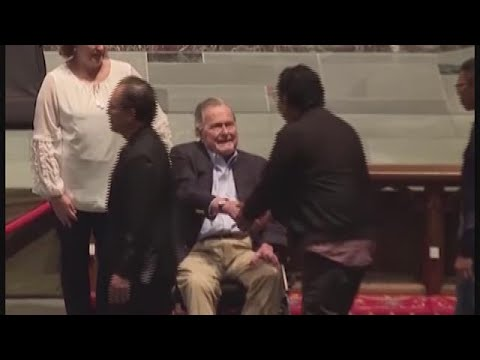 """I love you, too': George H.W. Bush's final words were to his son"