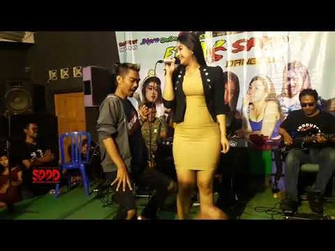 Tyas Kusuma Jelas Dibasahi Goyang Hot Terbaru 2019 Cendol Dawet Sub Indo Full HD Movie 2019