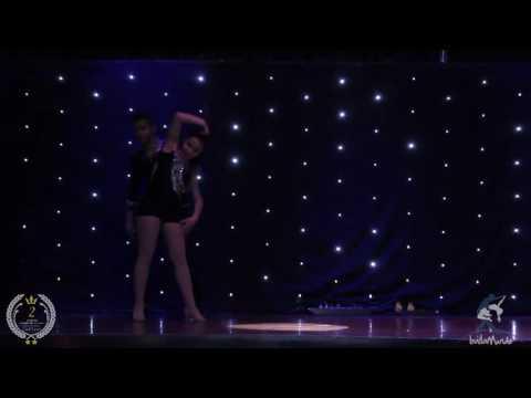 Baila Mundo - Lay e Biel (Baile de 2 anos da Escola de Dança Carol Siqueira)