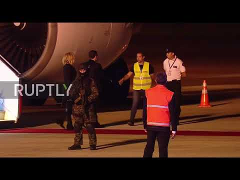 Argentina: Macron greeted by airport employee in 'yellow vest' after arriving for G20