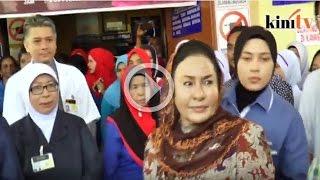 Rosmah 'jeling' wartawan tanya dakwaan Rafizi