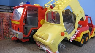 Fireman Sam Toys Episode 16 Fire Scrapyard Crash Tom 4x4 Jeep Phoenix Arnold Fire Station Toy 2018