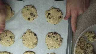 Chocolate Chip Oatmeal Cookies / Raisin Oatmeal Cookies